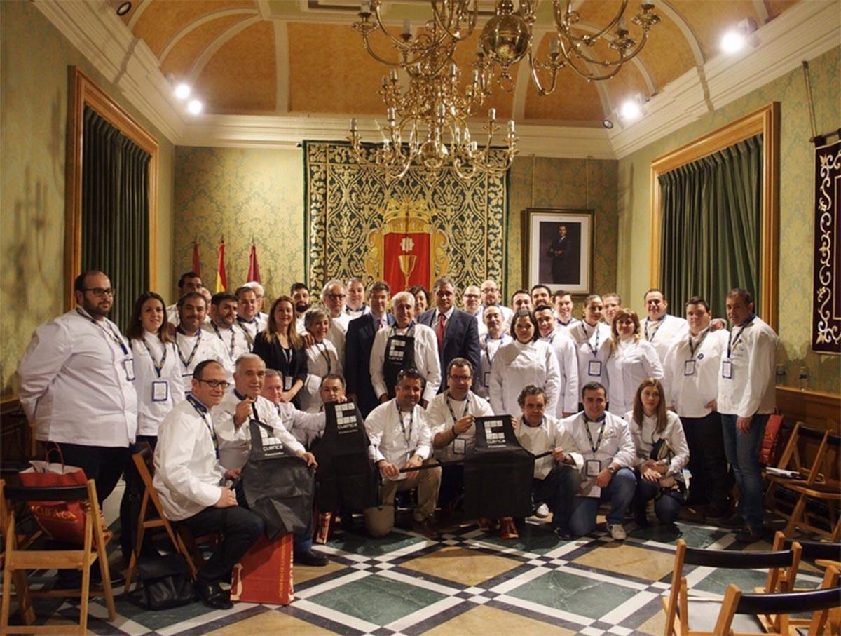 Rafael Catalá apoya en Cuenca la rehablitación de Casas Colgadas