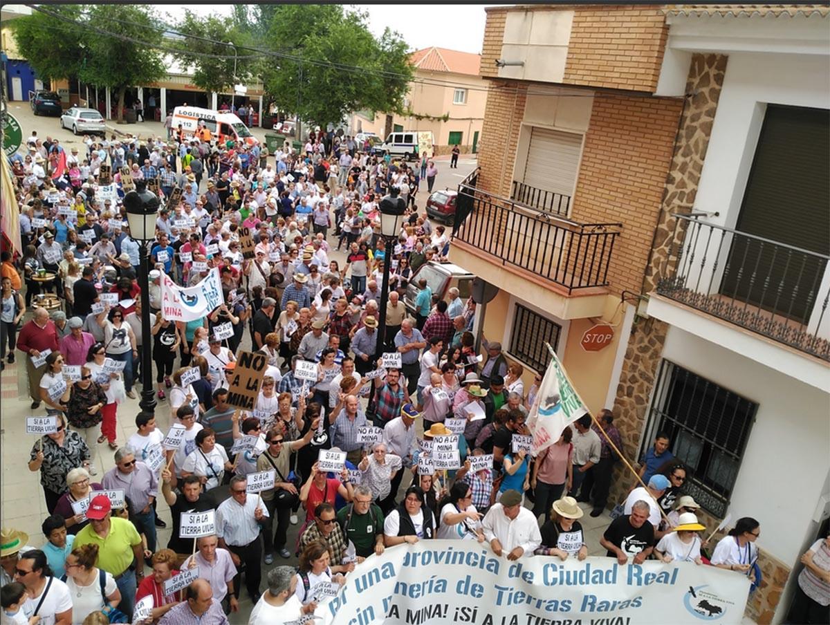 Manifestación en Torrenueva contra la minería de tierras raras