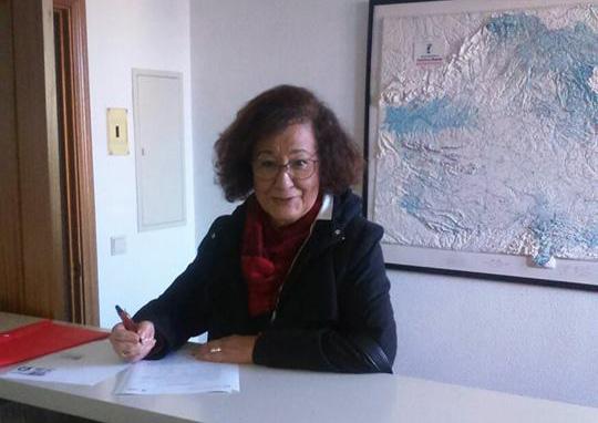 Chines Calvo Cirujano en el momento de presentar su precandidatura al PSOE de Toledo