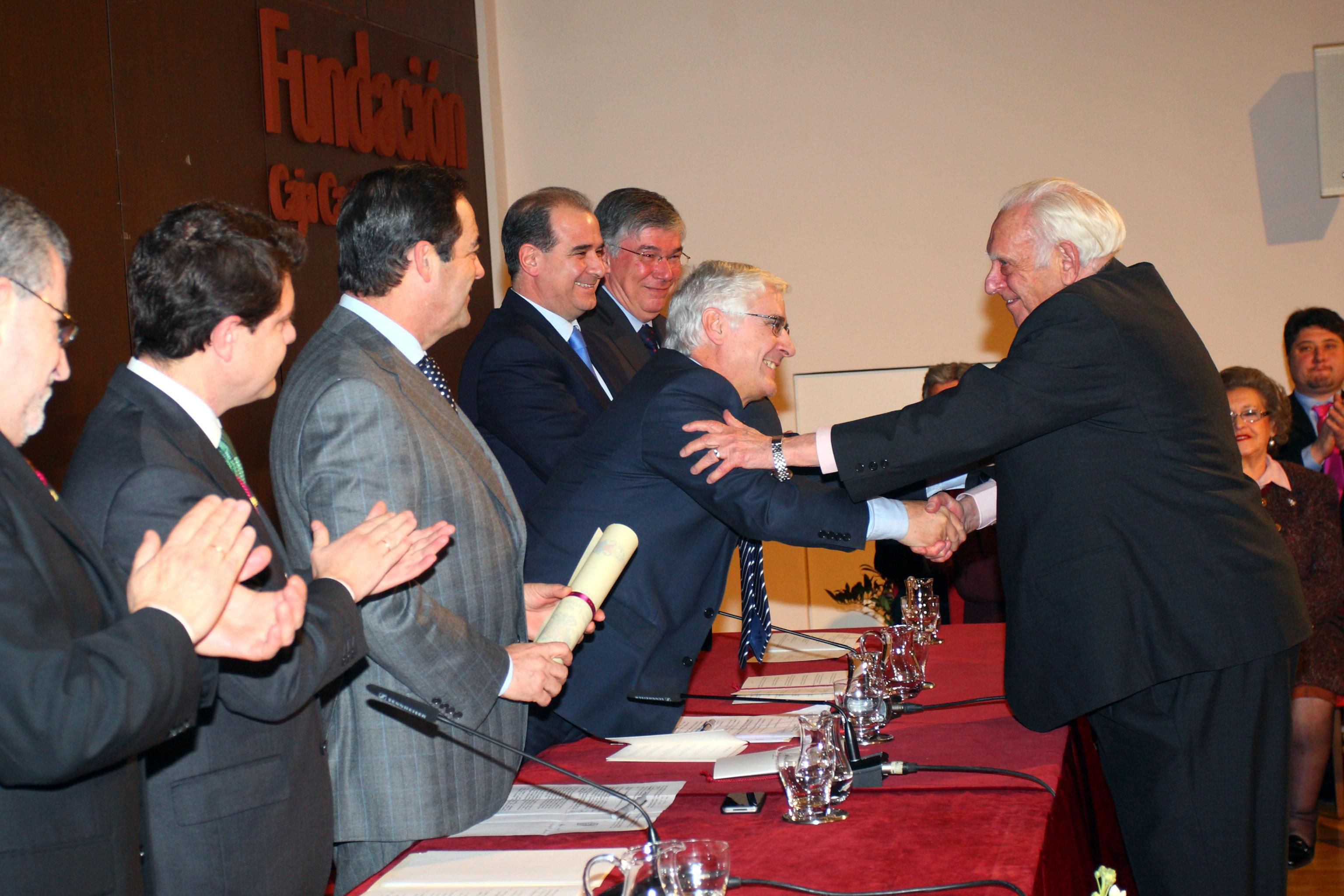 Jerónimo Ros el día que recibió el título deHijo Adoptivo de Toledo, siendo Emiliano García-Page alcalde