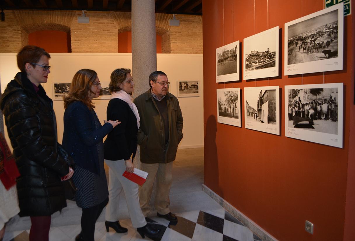 Exposición de fotografías de los años 50 y 60 en el Centro Cultural San Clemente.