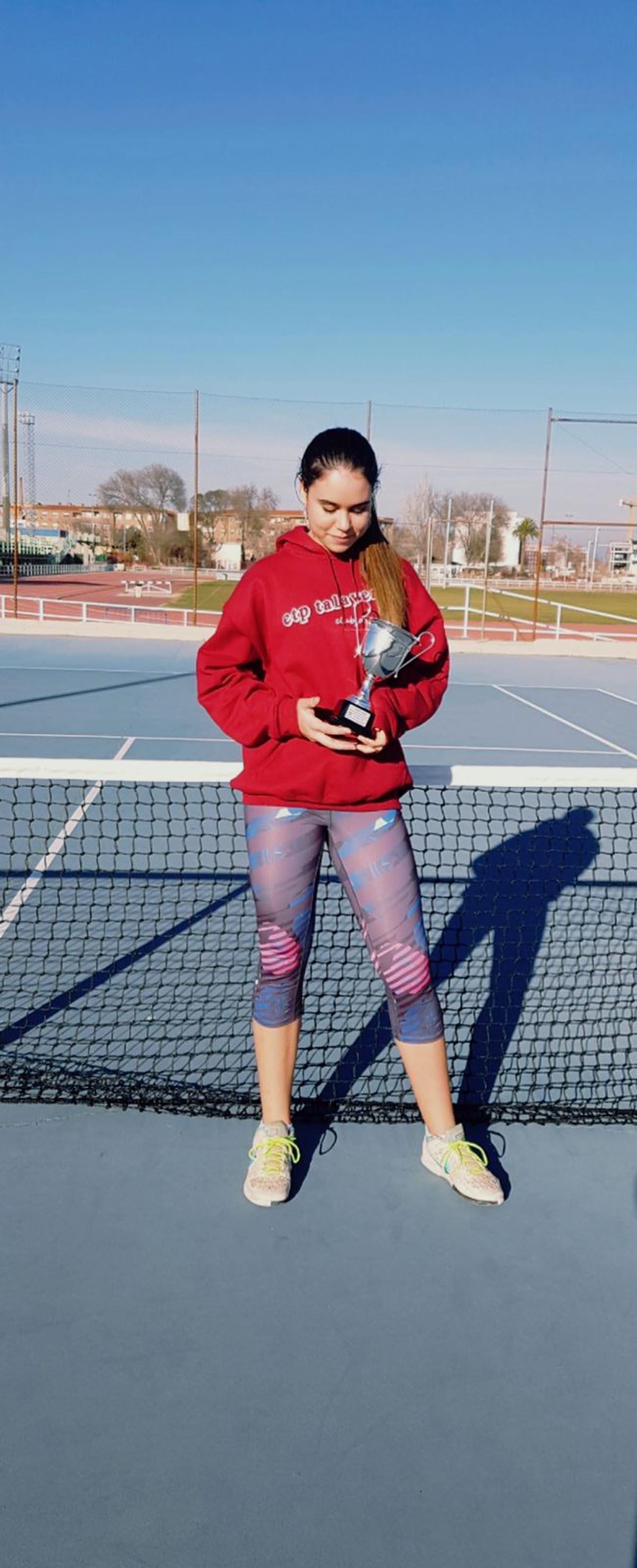 Ángela Juárez, ganadora del torneo de tenis Copa de Plata
