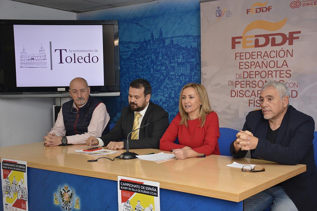 Maite Puig y Juan Ramón Amores, presentando el Campeonato de España de baloncesto en silla de ruedas