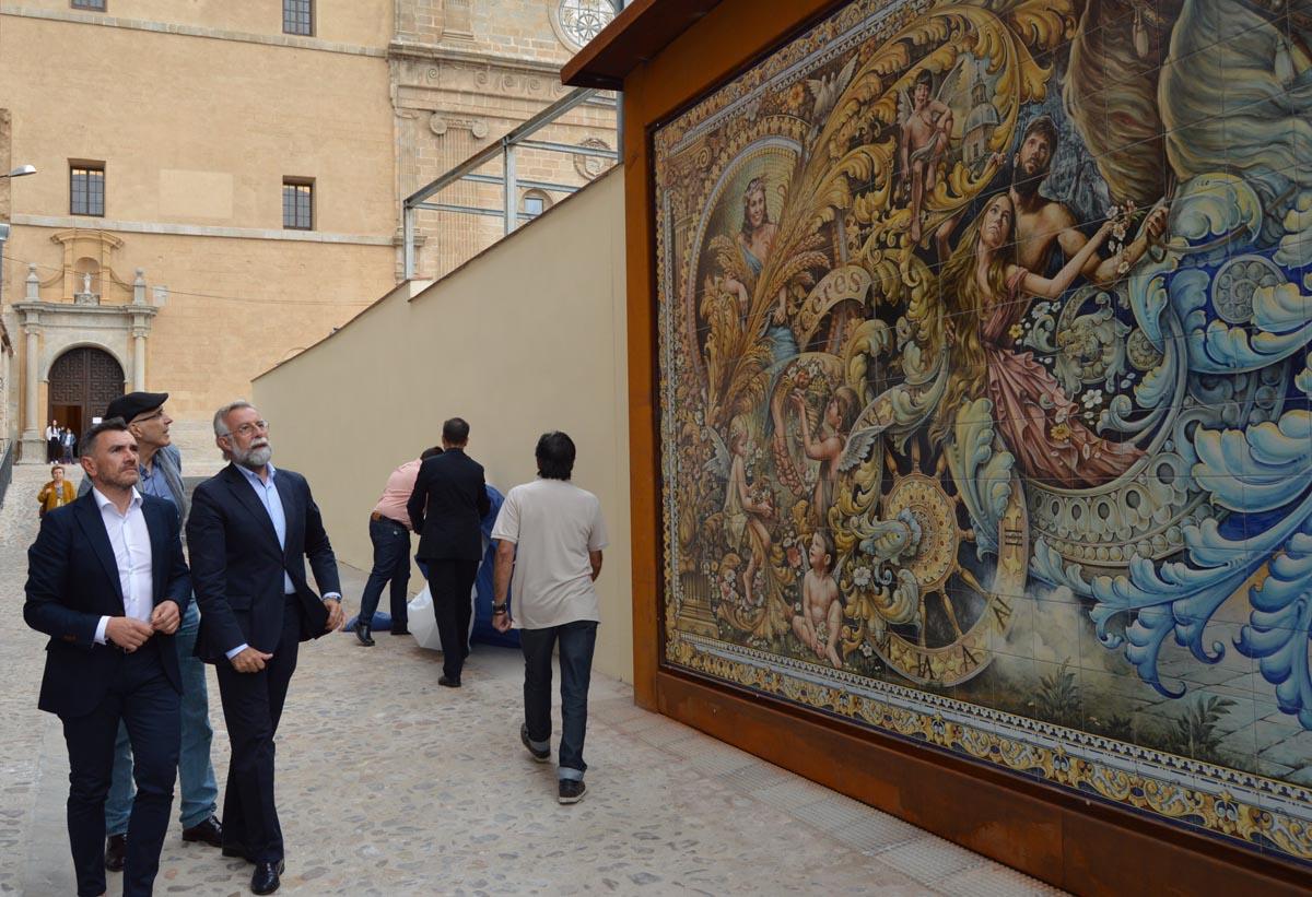 Inauguración del nuevo mural de cerámica de Talavera.