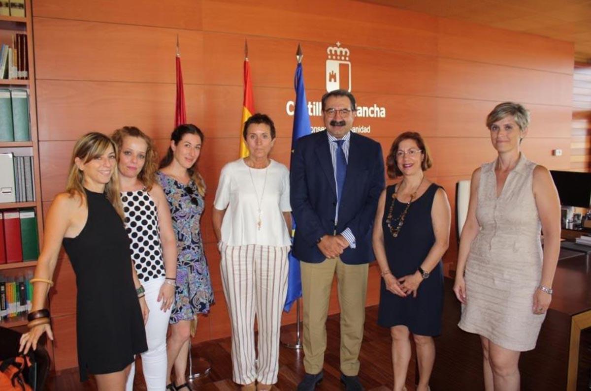 Fernández Sanz se reunió con representantes de la Federación de Autismo de CLM