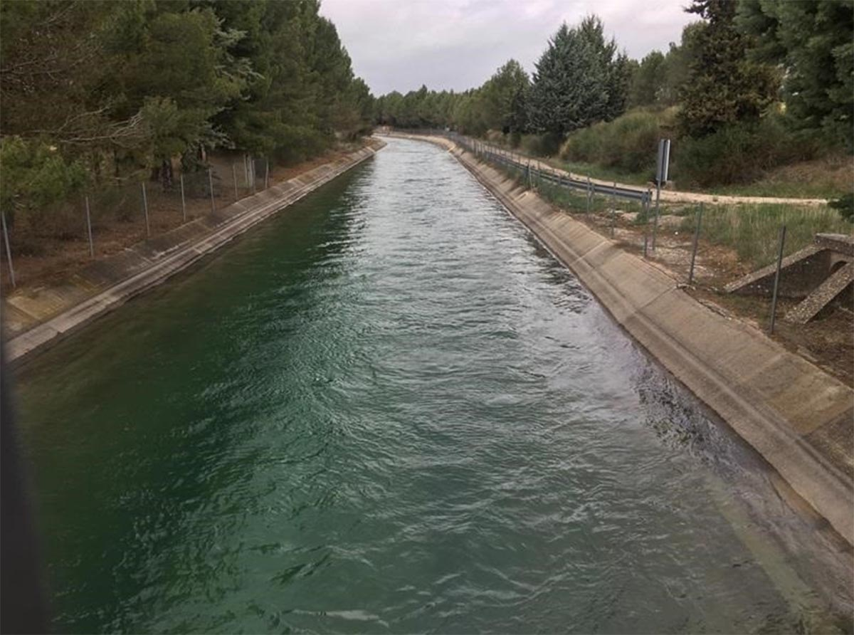 Imagen del canal del trasvase Tajo-Segura.