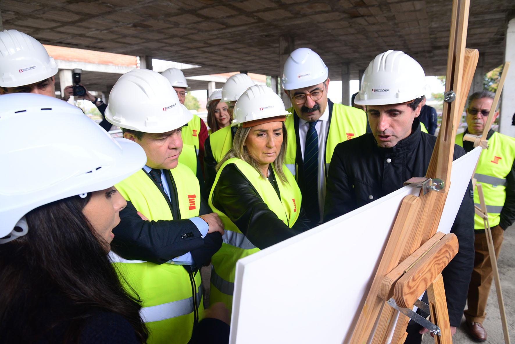 Page, Tolón y Sanz han visitado las obras del nuevo centro de salud