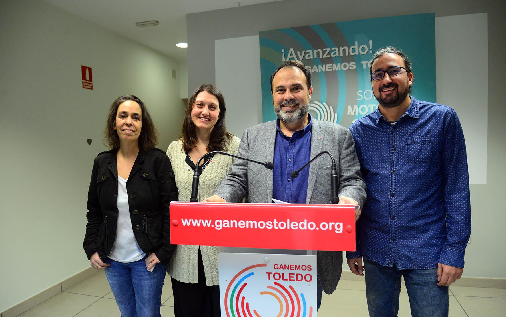 Javi_Mateo y el resto de conceJavier Mateo y el resto de concejales de Ganemos Toledojales de Ganemos Toledo