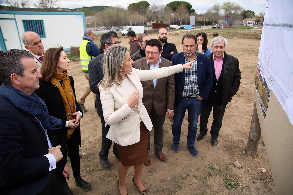 Tolón destacó el acuerdo entre administraciones y los vecinos para hacer la senda peatonal