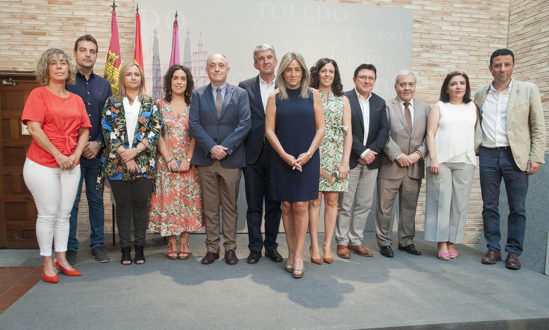 Milagros Tolón, junto a su nuevo equipo de Gobierno de Toledo.