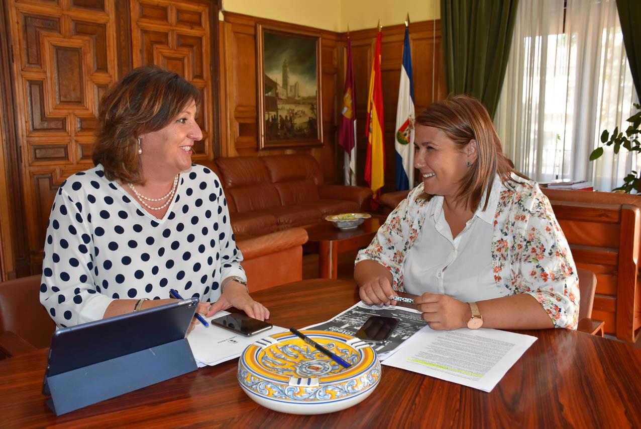 imex La consejera de Economía, Empresas y Empleo de Castilla-La Mancha, Patricia Franco, y la alcaldesa de Talavera, Tita García Élez.