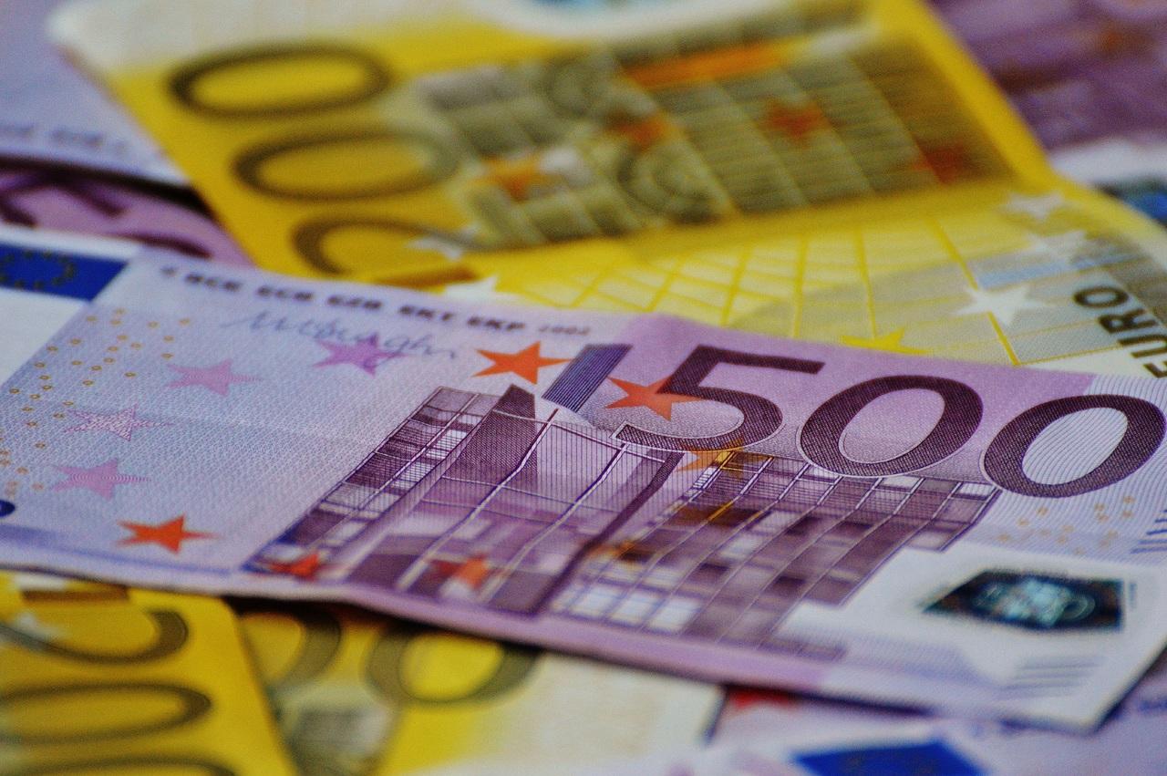 dinero, billetes, euros, estafa