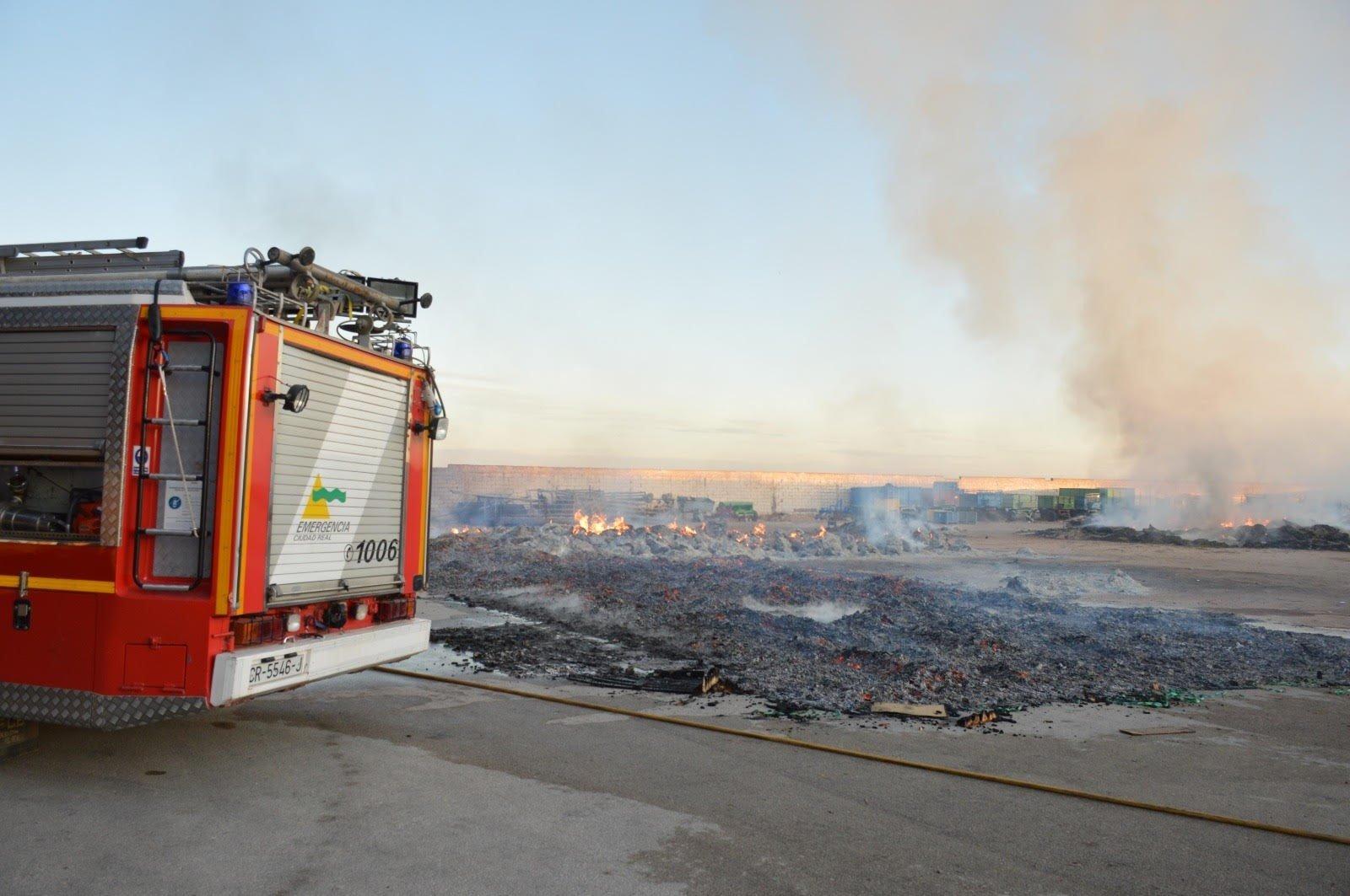 Incendio en una cooperativa de Tomelloso.