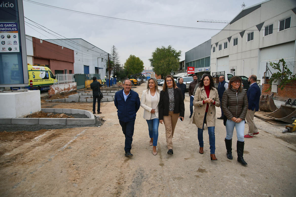 La alcaldesa ha visitado las obras del Polígono Industrial.