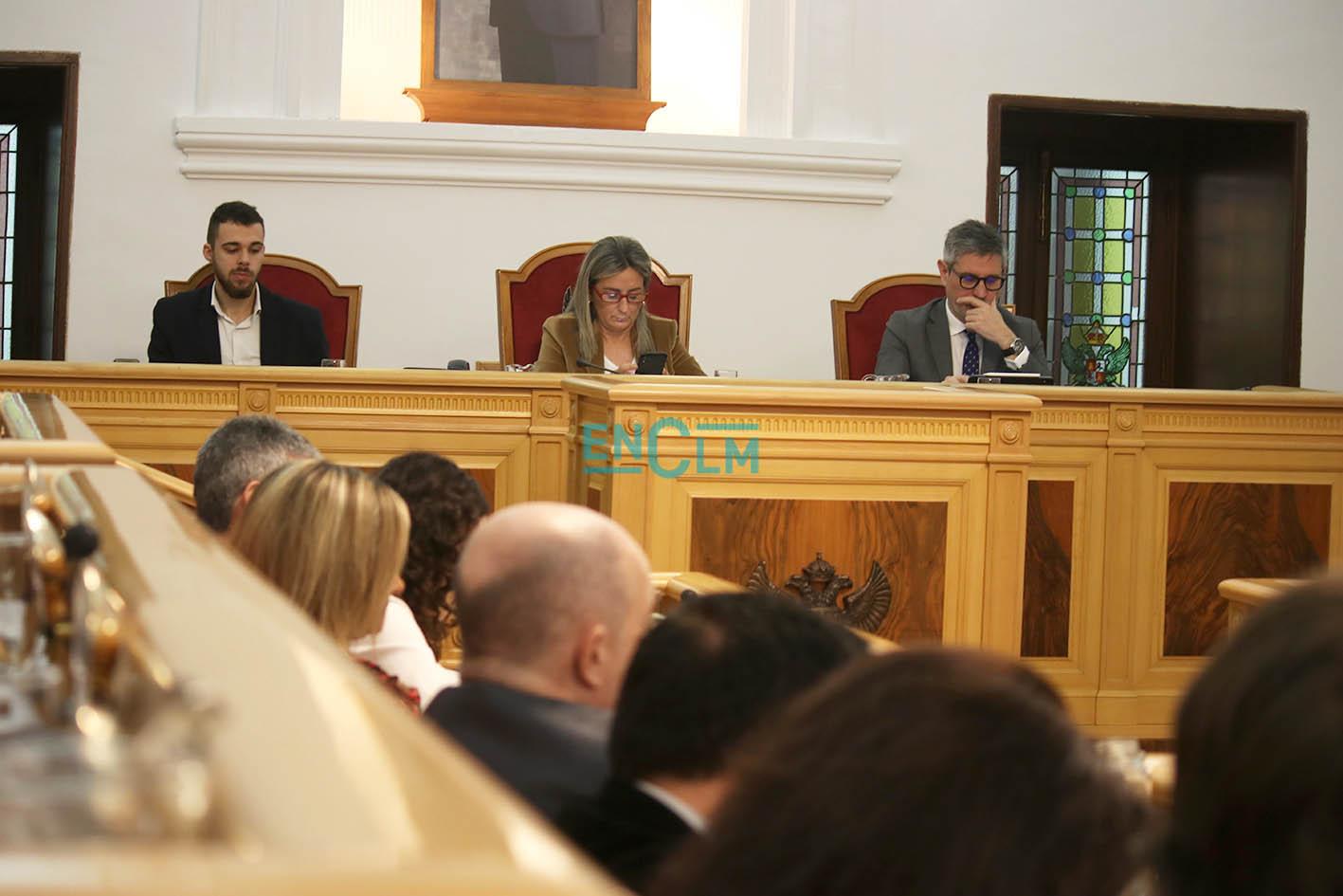 Son ya tres los concejales del Gobierno municipal de Toledo los que están confinados.