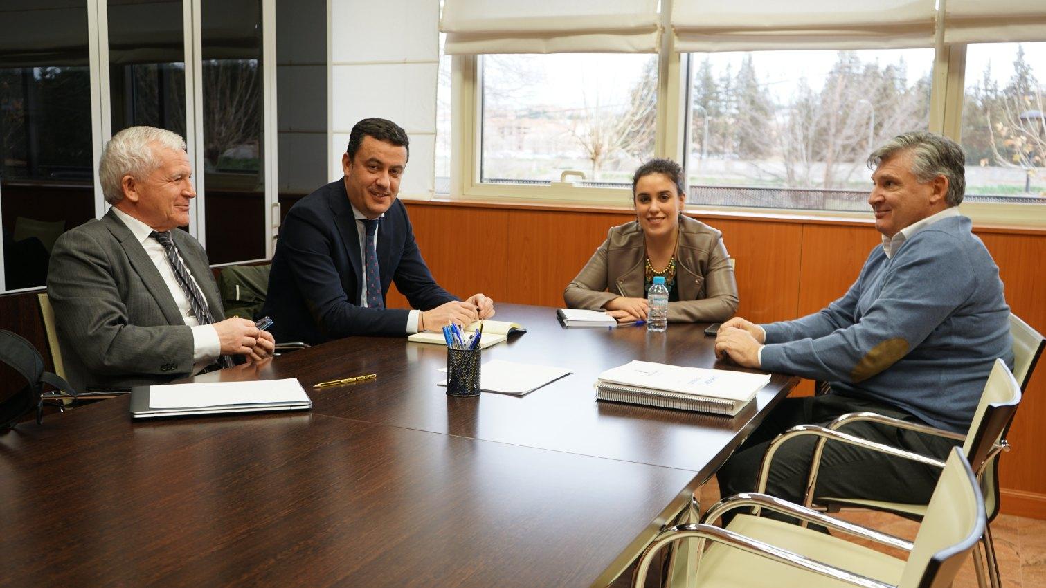 Reunión entre representantes de Fomento y de Liberbank.