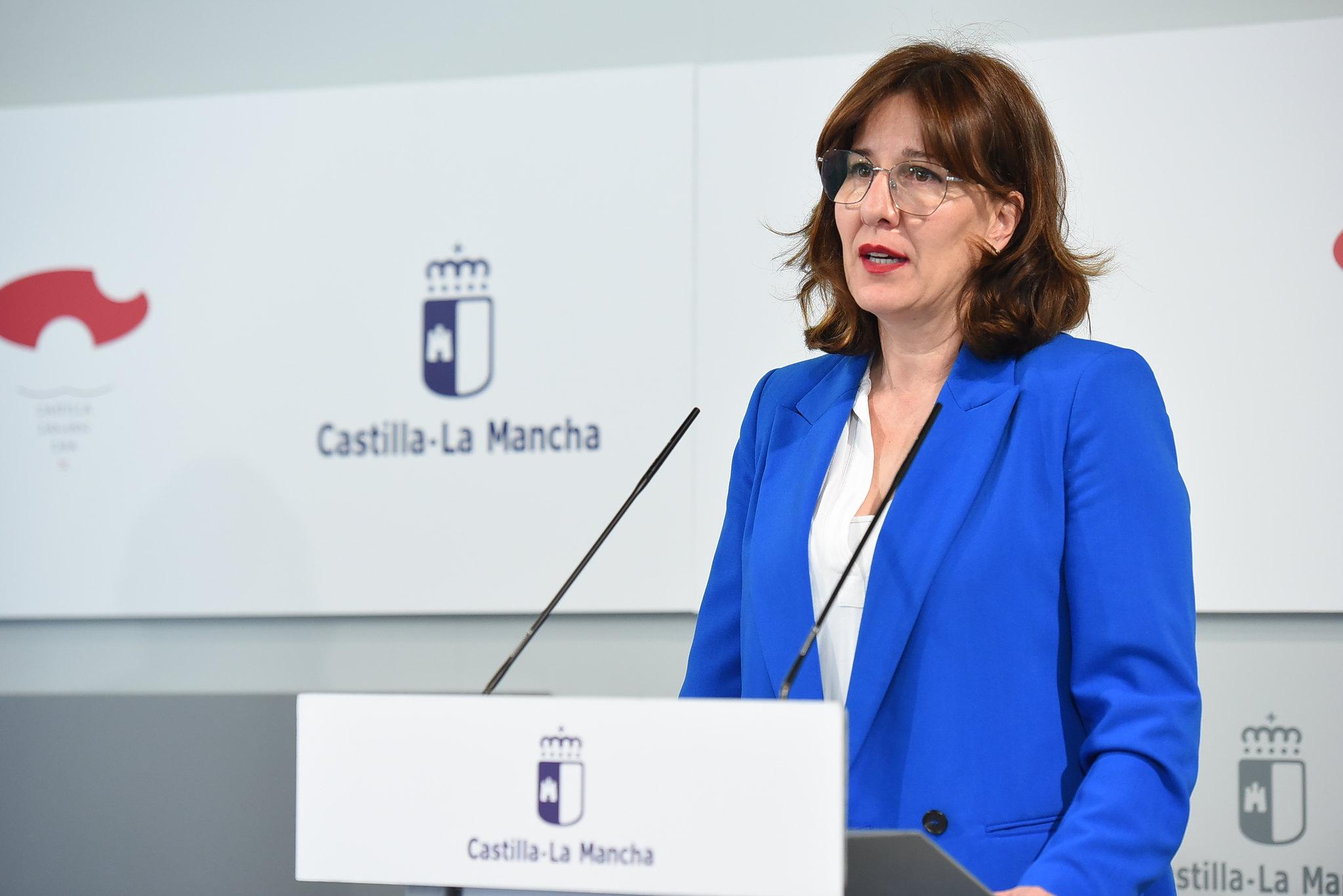 """Blanca Fernández, portavoz del Gobierno de CLM, ha criticado duramente la actitud """"irresponsable"""" de Paco Núñez, presidente del PP regional."""