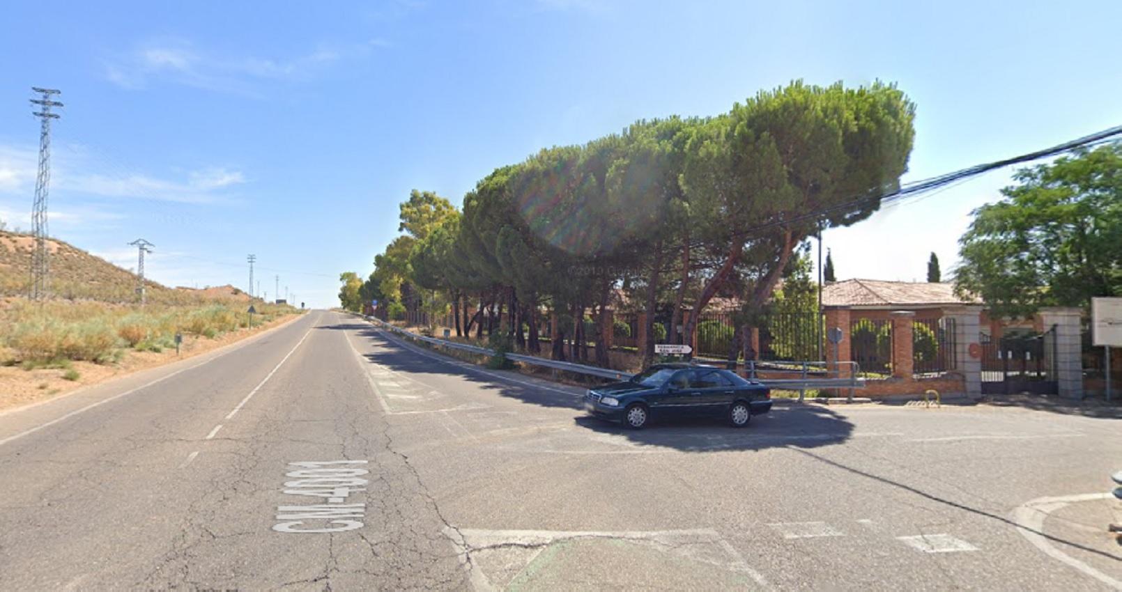 El cadáver ha aparecido en una cuneta de la carretera del barrio de Azucaica, en las proximidades de la Residencia Social Asistida San José.