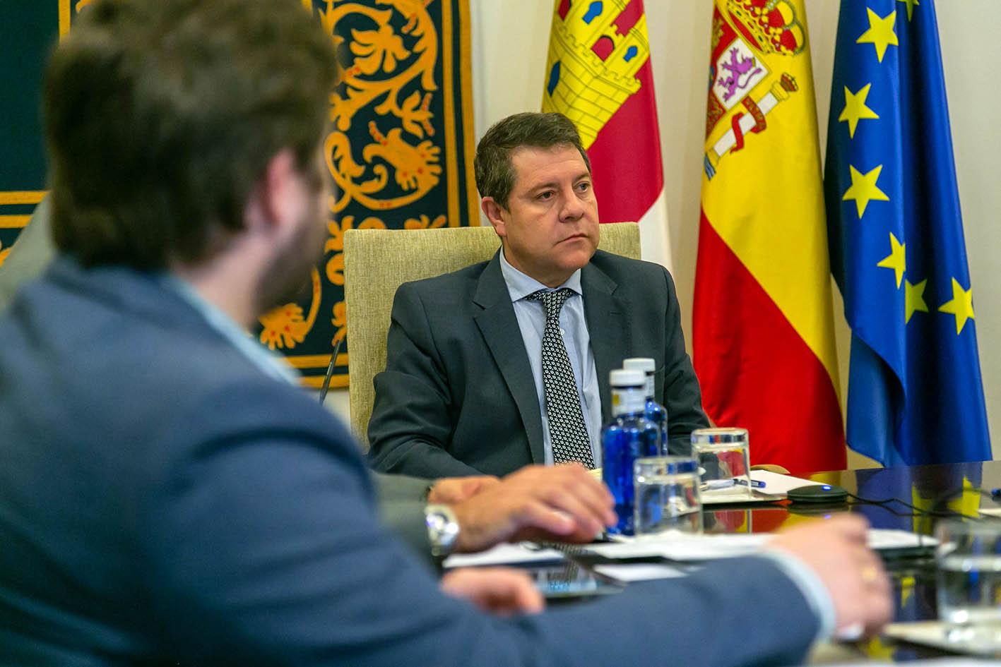 Page durante la videoconferencia de presidentes con Pedro Sánchez.