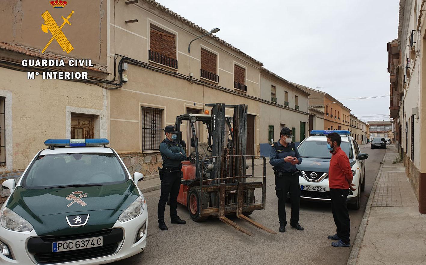La Guardia Civil ha detenido a una persona de 36 años como presunto autor de los robos.