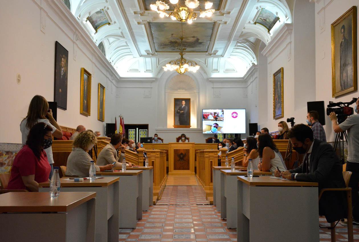 Pleno Extraordinario en el Ayuntamiento de Toledo.