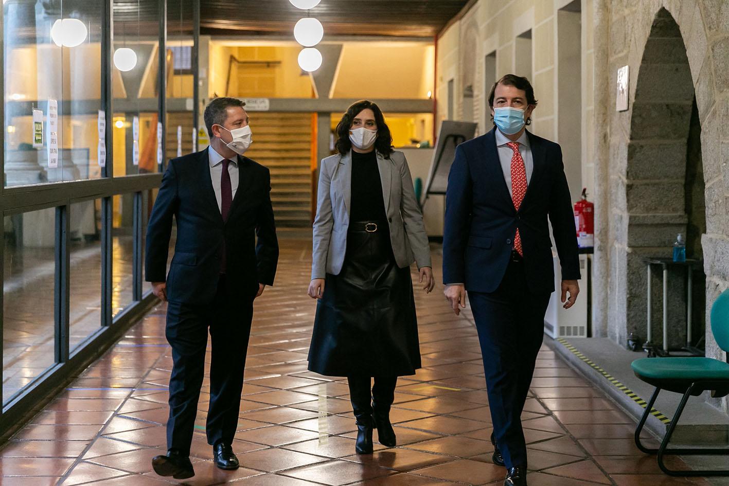 Page, Ayuso y Mañueco en la reunión en Ávila.