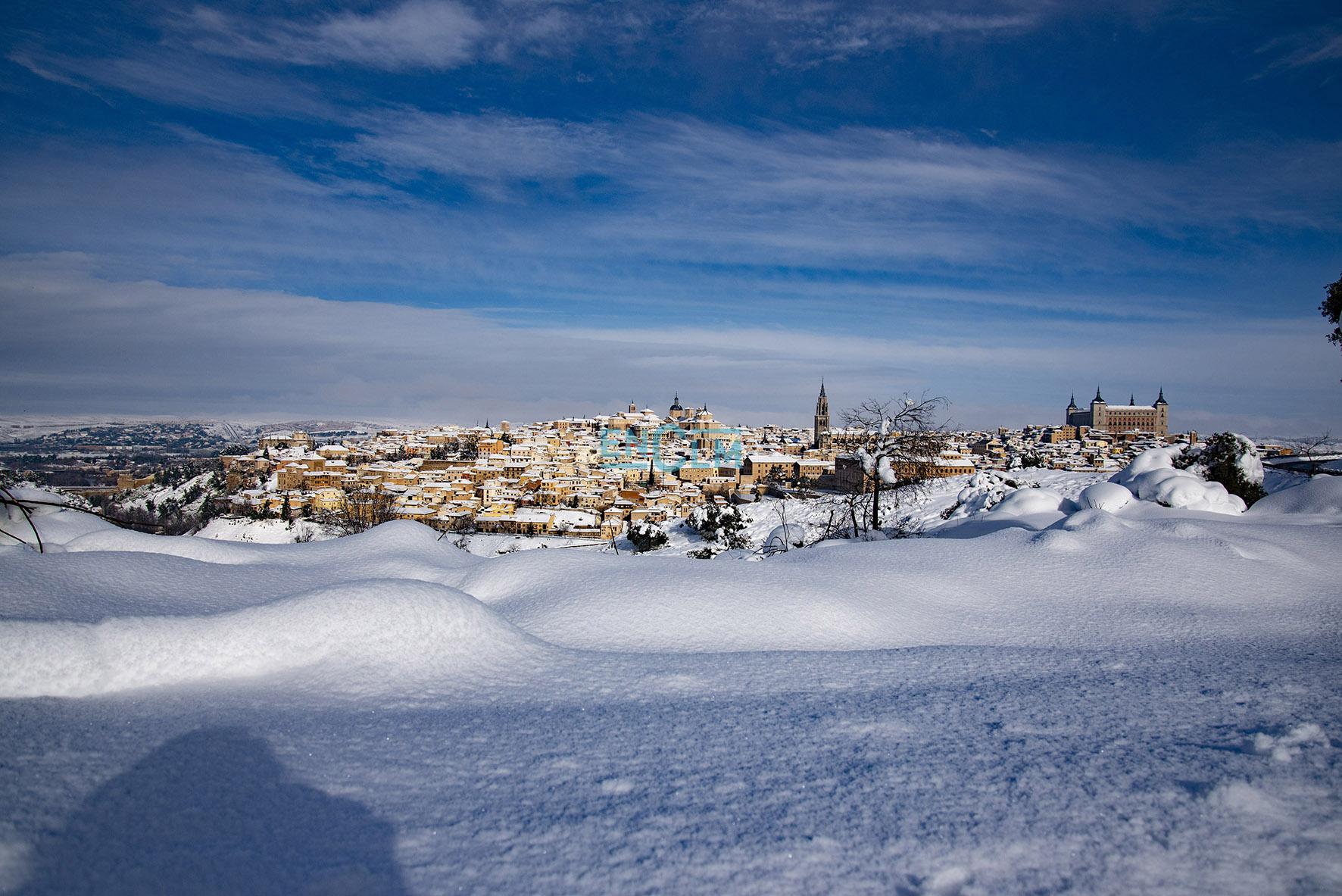 La nieve provocó que los colegios en la ciudad de Toledo tuvieran que suspenderse en el modo presencial hasta que la seguridad de los edificios fuera plena.
