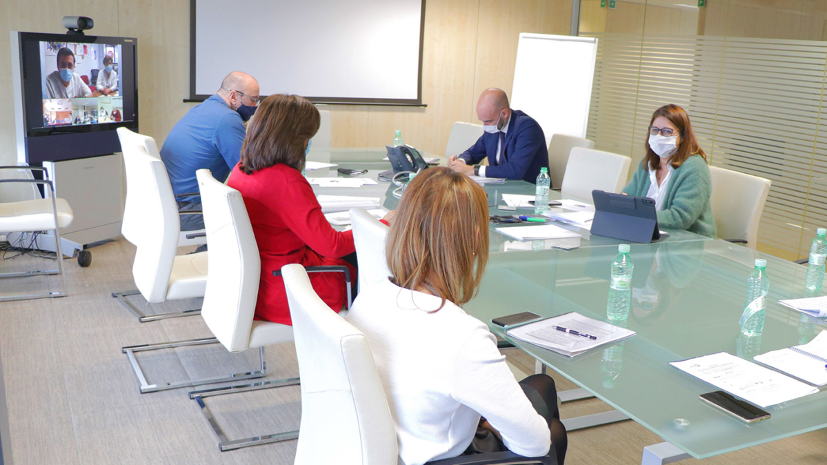 Imagen de la reunión de la Mesa Sectorial del Sescam, donde se ha dado el visto bueno a la nueva Oferta Pública de Empleo del Sescam.