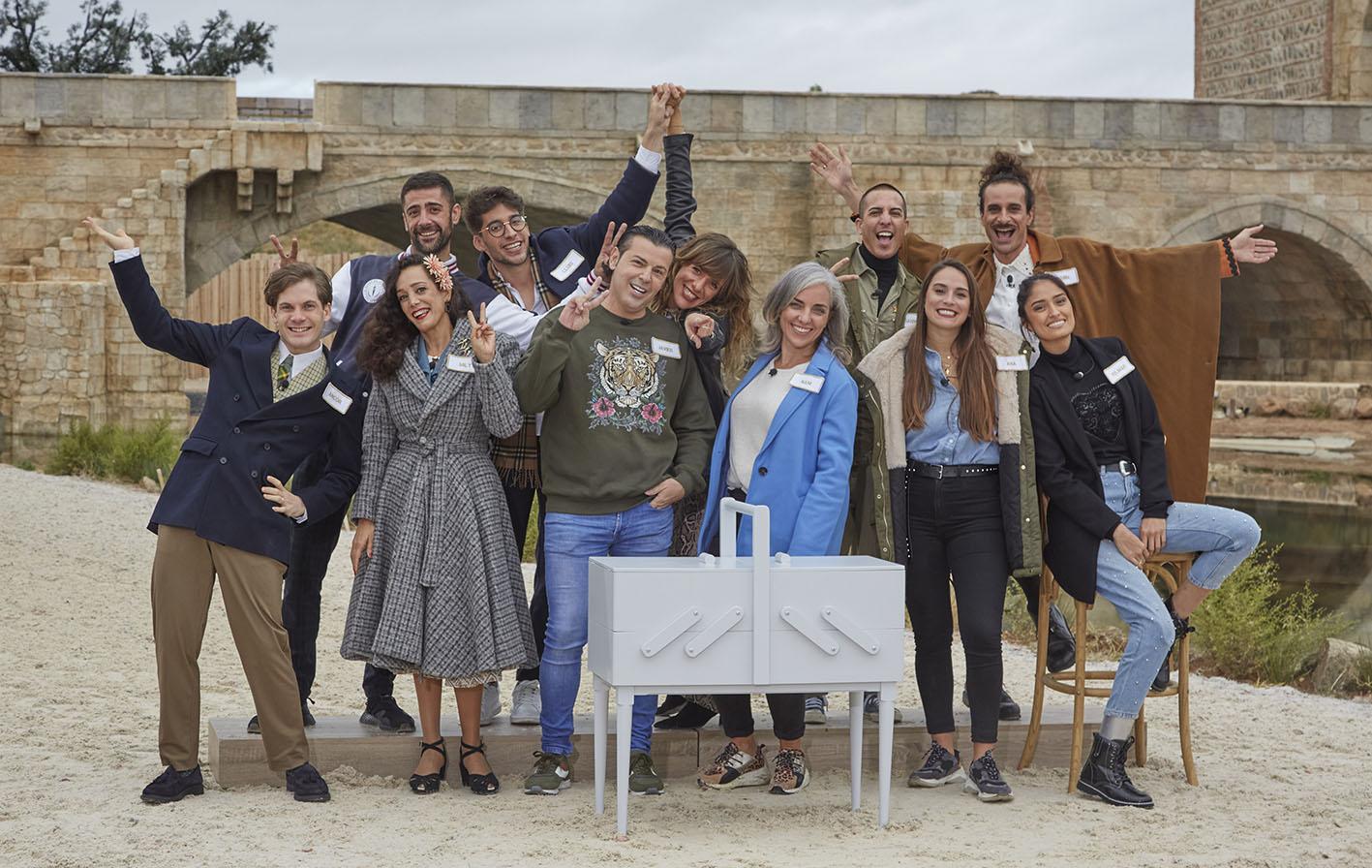 """Los aprendices de """"Maestros de la Costura"""" disfrutaron con su presencia en Puy du Fou."""