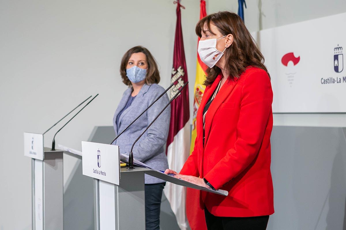 La consejera Blanca Fernández informó de las ayudas a las mujeres víctimas de violencia de género