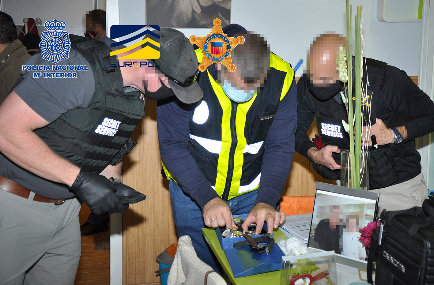 En total, se calcula que el fraude puede ser de al menos 12 millones de euros.