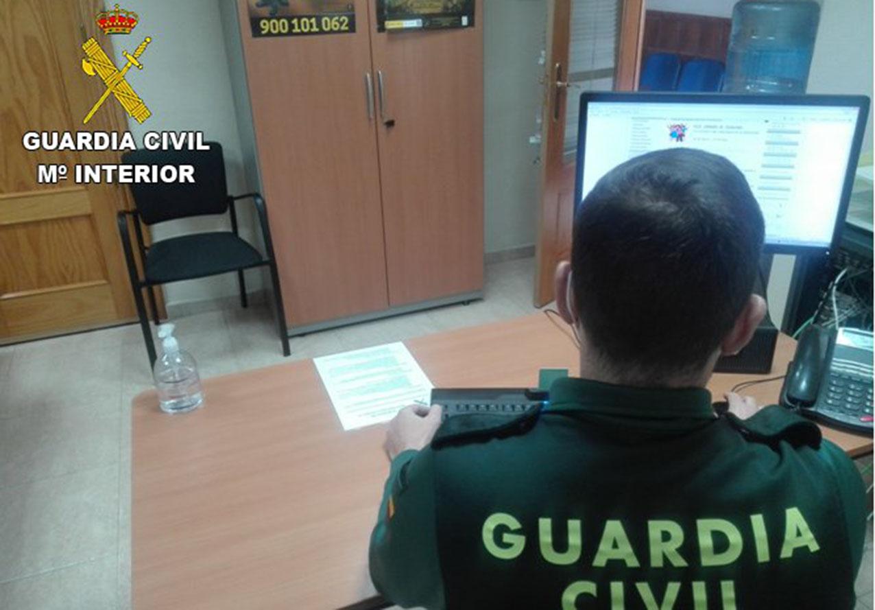 El hombre, de 36 años, fue detenido por la Guardia Civil después de intentar atracar en un establecimiento de Villacañas.