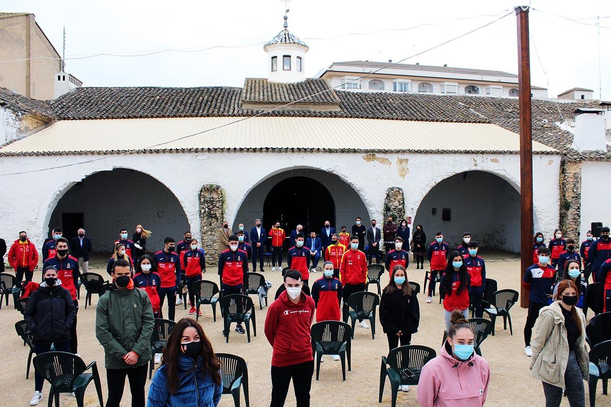 Concentración en La Roda de los seleccionados del kárate español