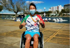 La campeona mundial de parakárate, pletórica con su estreno en kayak