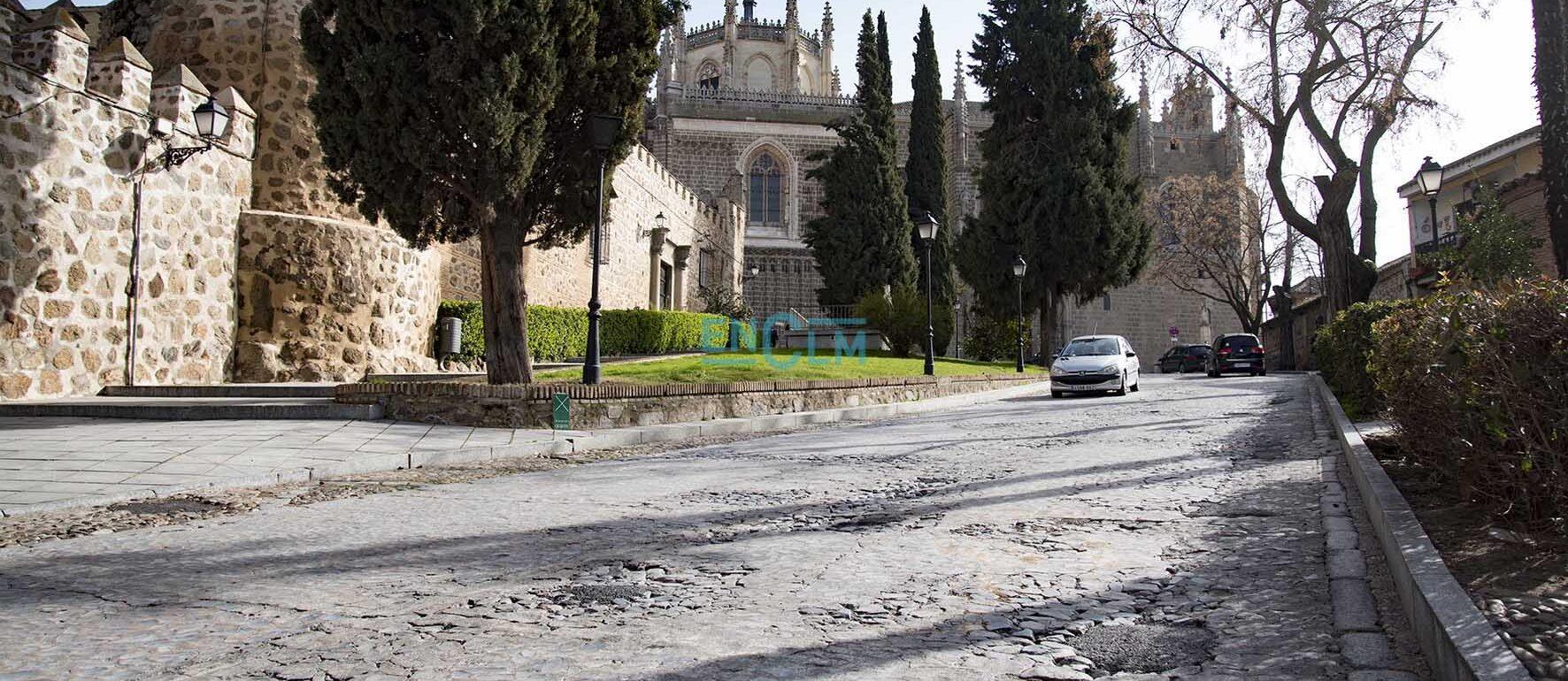 La calle Reyes Católicos sufrirá una reforma integral, igual que la Bajada de San Martín y la subida de Descalzos hasta San Cristóbal. Os contamos los detalles del proyecto. Foto: Rebeca Arango.