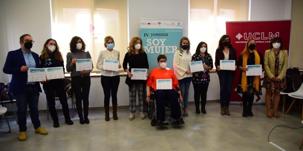 """Imagen de las participantes de la IV Jornada """"Soy Mujer"""" que ha organizado encastillalamancha.es en la UCLM."""