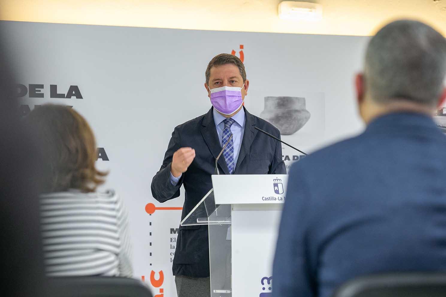 El presidente de Castilla-La Mancha, Emiliano García-Page, en la inauguración del Centro de Recepción de Visitantes.