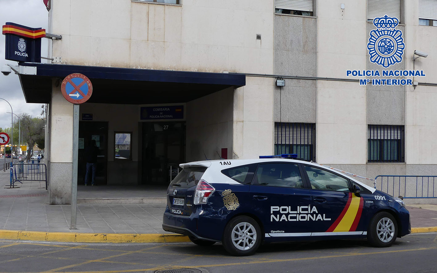 Los cinco tirones fueron en Ciudad Real y la presunta autora fue detenida por la Policía Nacional.