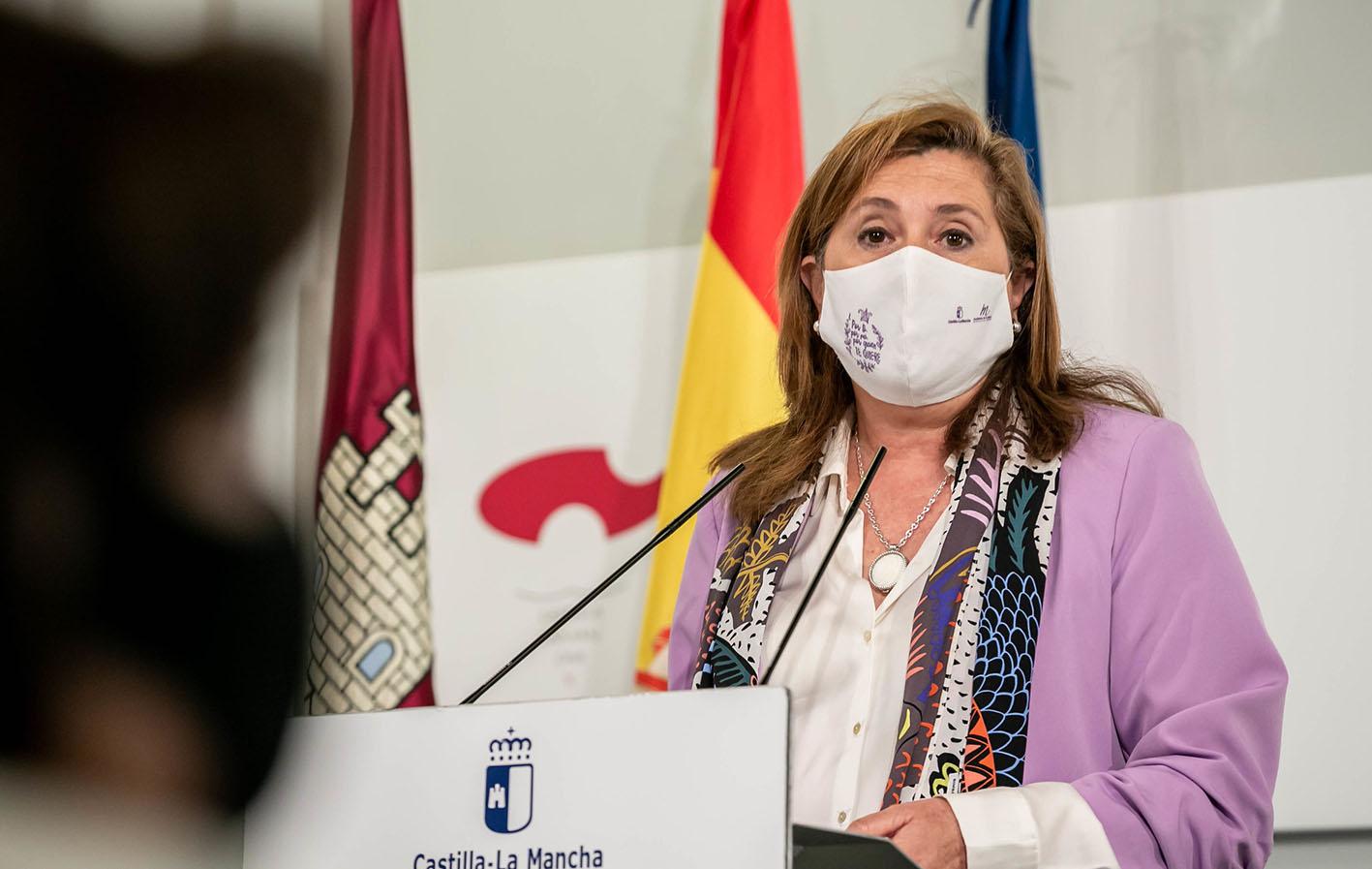 Rosana Rodríguez, consejera de Educación, Cultura y Deportes, ha dado las cifras de la vacunación de los docentes.