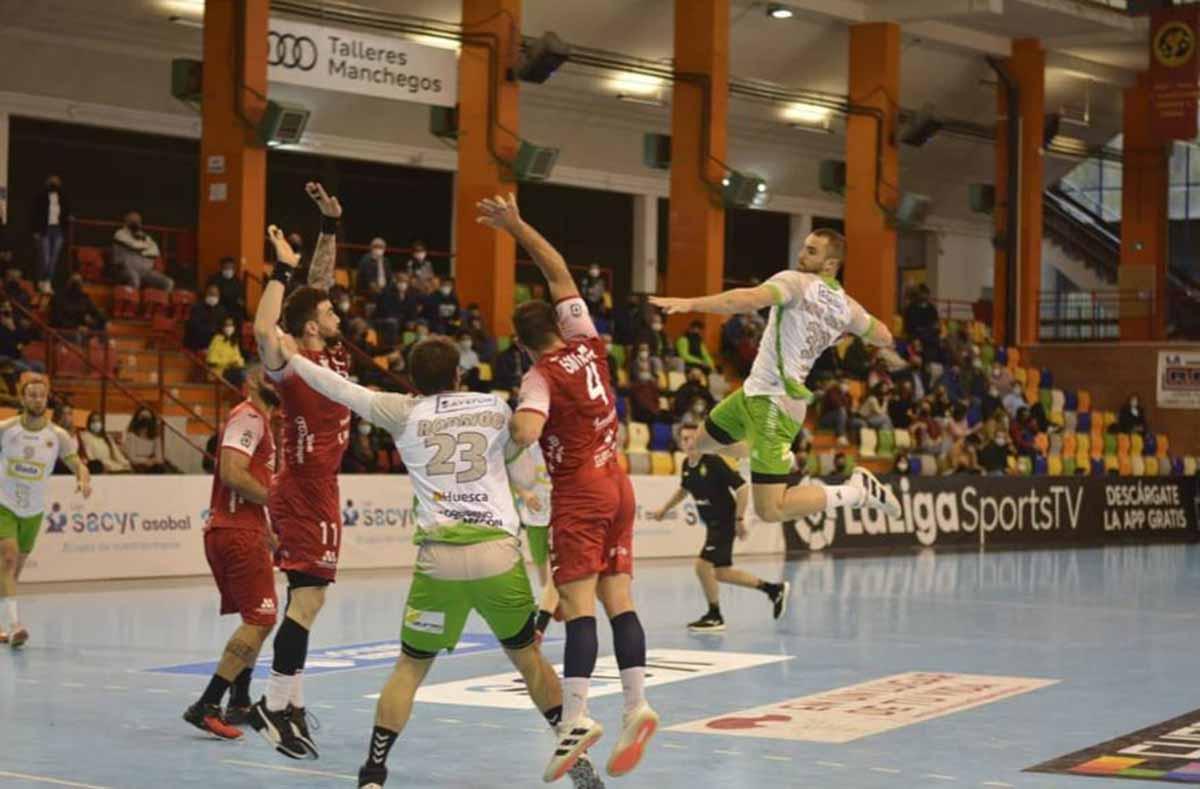 El Incarlopsa Cuenca volvió a sumar, y contra el tercero. Foto: @BmHuesca (Juan Alberto Lillo)