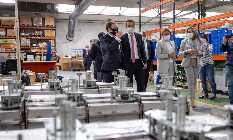 Visita planta fotovoltaica Inael que creará 200 empleos en Toledo