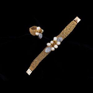 Imagen del brazalete y el anillo que regalaría Julián Morcillo a su madre, de la artista Adriana Laura Méndez.