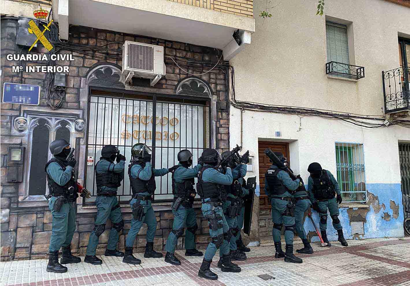 Imagen de una de las entradas a una vivienda en Villacañas (Toledo).
