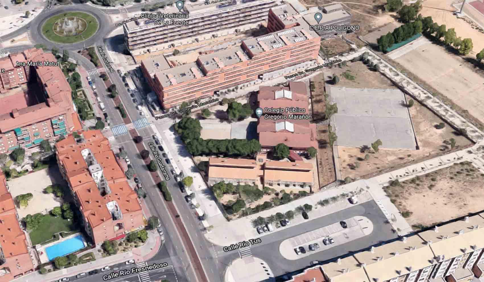 Vista aérea del colegio Gregorio Marañón, en Toledo, donde supuestamente se ha producido una fuga de gas en la cocina.