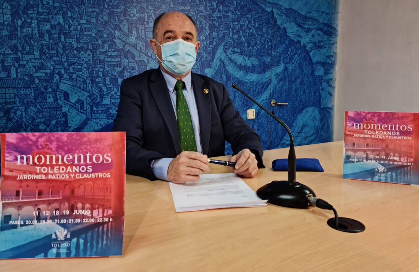 """Paco Rueda ha presentado hoy los """"Momentos toledanos""""."""