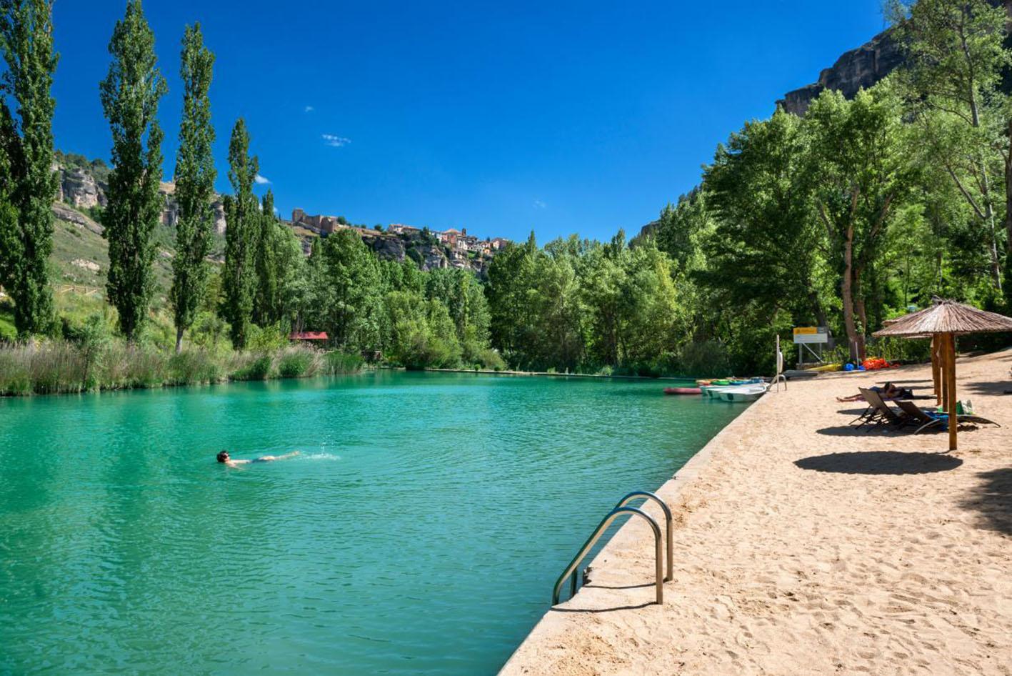 Disfrutar de un baño en un paraje natural de Castilla-La Mancha, todo un placer.