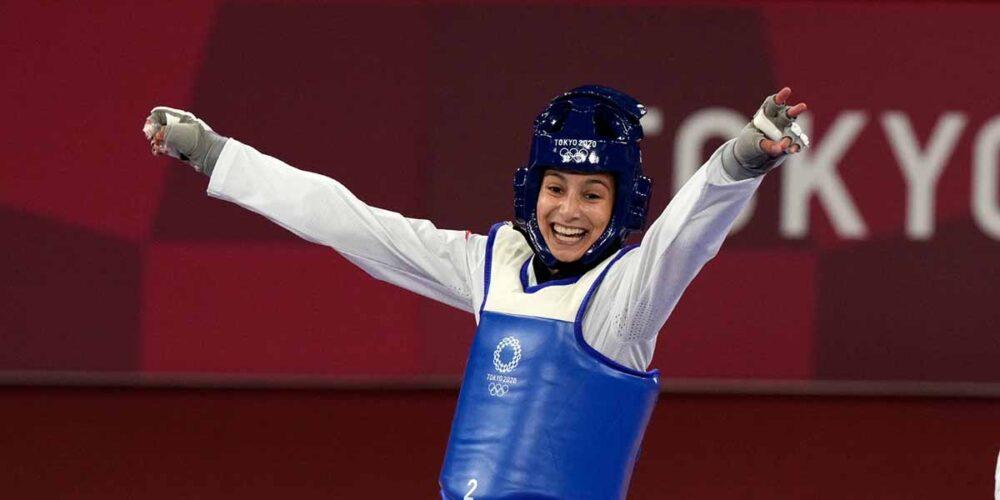 Adriana Cerezo, ¡medallista olímpica a sus 17 años! Foto: COE
