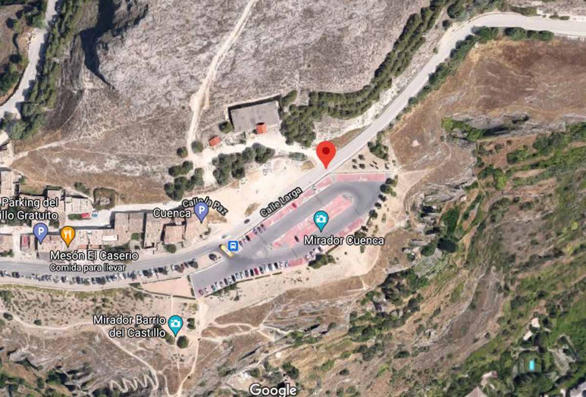 Calle Larga de Cuenca, por donde un joven se cayó a un barranco. Imagen: Google Maps