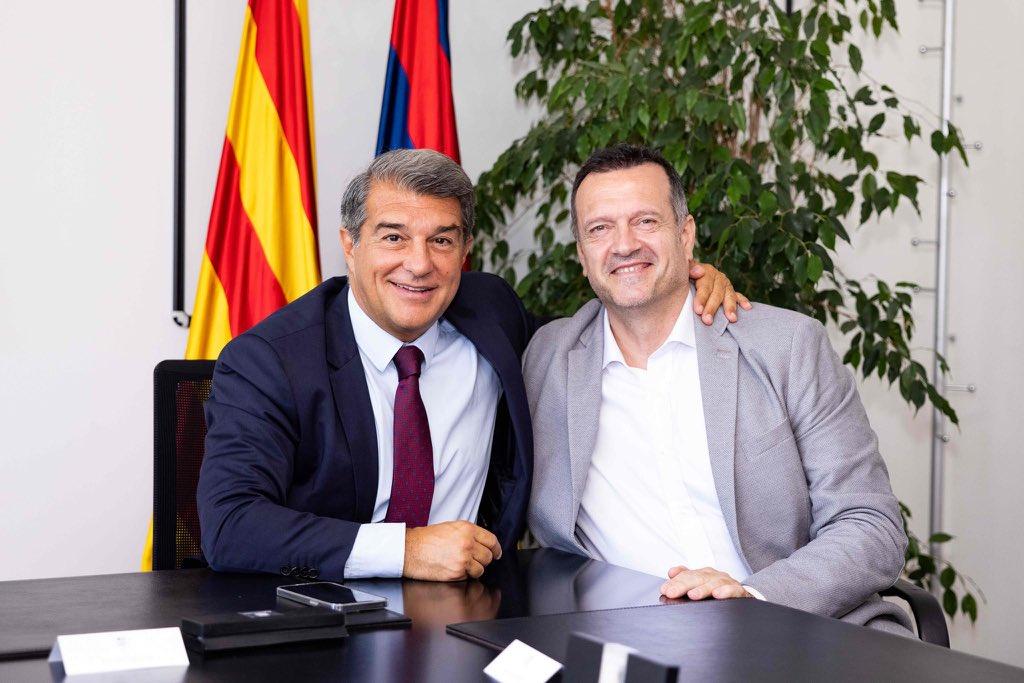 Presentación de Jesús Velasco como técnico del Barça Fútbol Sala junto con el presidente Joan Laporta.