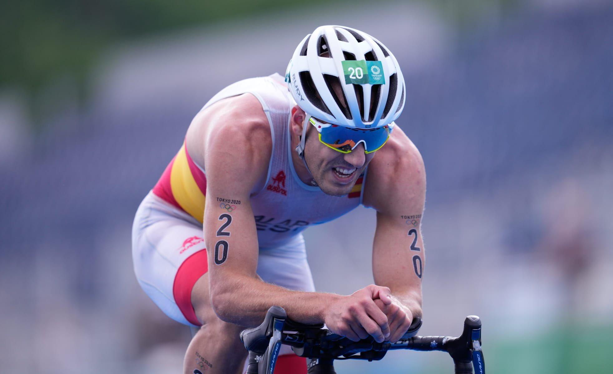 Fernando Alarza, durante la prueba de triatlón de Tokio.